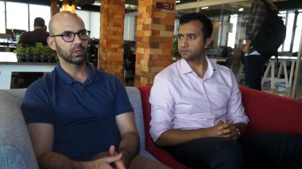 Pedro Waengertner (à esq.) e Almir Araújo Silva, da Basf, falam sobre o AgroStart