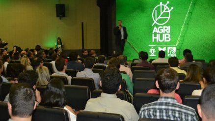 Evento de lançamento do AgriHub, em Cuiabá