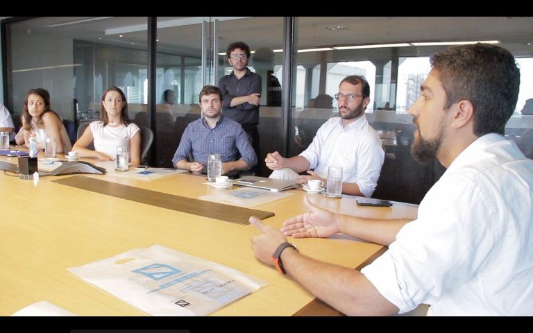 """Alexandre """"Bio"""" Veiga e Felipe Ninni, da Inseed (os dois à dir.) falaram sobre as startups brasileiras. Foto: Leonardo Mattos Guerra"""